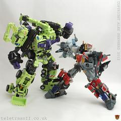 Devastator (Maketoys Giant) (07) (Alex J Shepherd) Tags: giant transformers maketoys