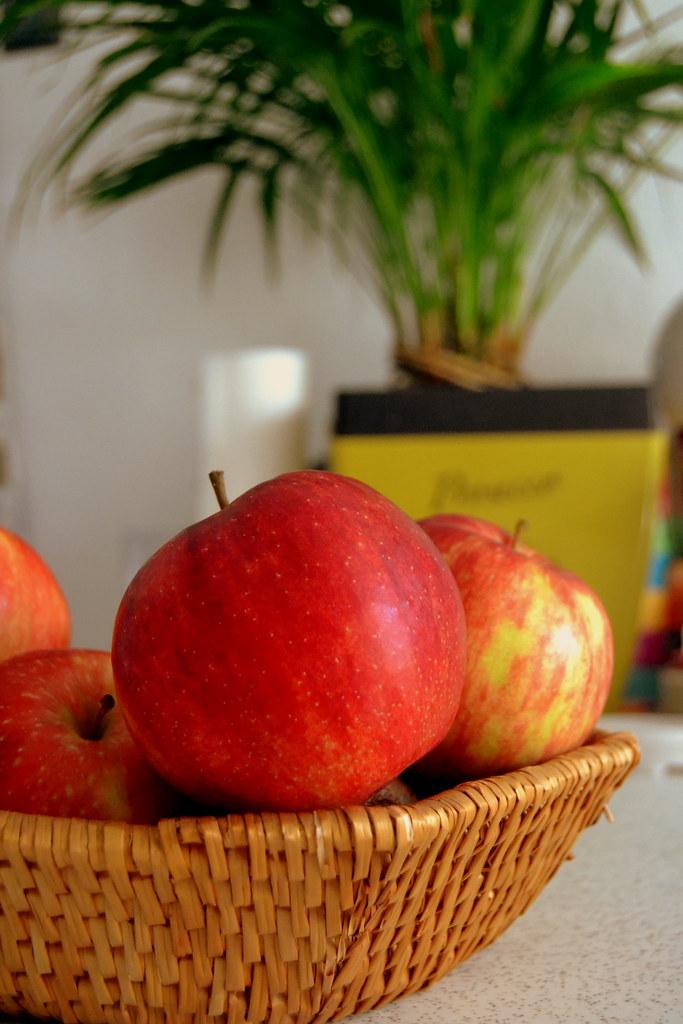 Karlshof Apfels (khalid.salman99) Tags: Life Students Kitchen Hostel  Student Wand Küche