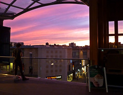 Taking in the Sunset - Cabot Circus, Bristol (Photo Gal 2009) Tags: pink blue sunset sun set mall bristol purple shoppingmall broadmead urbansunset citysunset octobersunset broadmeadbristol cabotcircus bristolshops bristolsunset bristolshopping ukmall englandmall