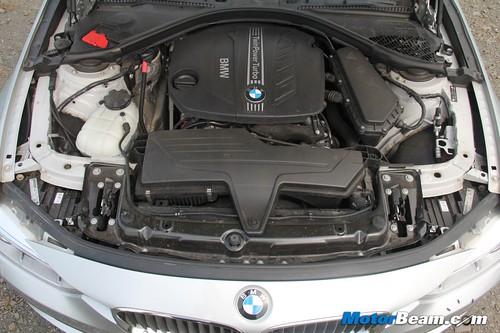2012-BMW-320d-F30-27