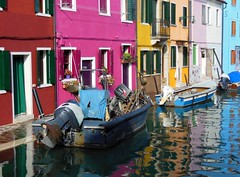 Burano - maisons 2 (luco*) Tags: venice houses italy canal italia maisons venise venezia italie burano