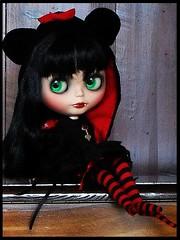 Drewsilla... (SleepyGirl2) Tags: halloween scary doll vampire blythe custom