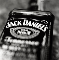 Jack Daniels No 7 (Andres Cuervo G) Tags: bw 6x6 zeiss jack kodak hasselblad daniels