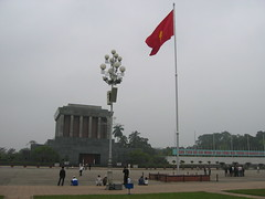 Ho Chi Minh mausoleum in Hanoi (mbphillips) Tags: hanoi fareast southeastasia vietnam 越南 ベトナム 베트남 asia アジア 아시아 亚洲 亞洲 mbphillips canonixus400