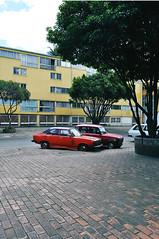 Pablo VI (Nicolas A. Narvaez Polo) Tags: colombia bogota carros renault4 servicioejecutivo pablovi