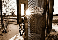 Dont Forget (Explored) (Wes Iversen) Tags: nature chains gates fences padlocks hff sunstars sunflares tokina1116mmf28 fencefriday pricenaturecenter