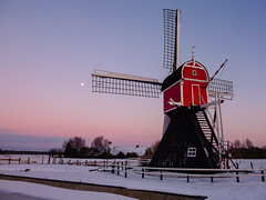 De Buitenwegse molen in Oud-Zuilen, the Netherlands (Frans.Sellies (off for a while)) Tags: sunset moon snow holland mill ice netherlands windmill geotagged utrecht dusk nederland thenetherlands polder drainage oudzuilen postmill abigfave poldermolen wipmolen blinkagain hollowpostmill p1510565 geo:lat=5213395890982193 geo:lon=5065850615501404