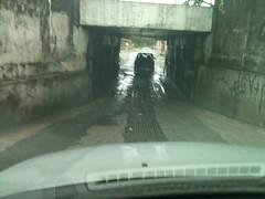 Buraco em Itaquaquecetuba (Blog do Mlton Jung) Tags: avenida carro rua buraco pista transporte trfego itaquequecetuba