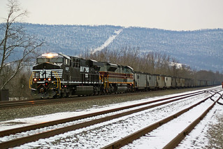 NS 8127 on 650 Lewistown, PA