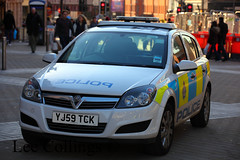 Vauxhall Astra Police Car (Lee Collings Photography) Tags: transport leeds police policecar emergency westyorkshire vauxhall policecars vauxhallastra emergencyvehicles emergencyservices emergencyservice policevehicles westyorkshirepolice leedscitycentre policetransport astrapolicecar emergencyservicevehicles vauxhallpolicecar westyorkshireemergencyservices emergencyservicetransport emergencyservicestransport