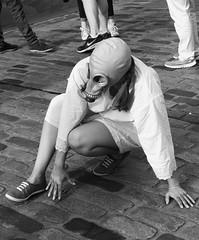 Fringe on the Mile 2016 0157 (byronv2) Tags: fringe fringe2016 edinburghfringe2016 edinburghfestivalfringe2016 edinburgh edimbourg edinburghfestivalfringe edinburghfringe festival royalmile oldtown street candid peoplewatching performer mask gasmask blackandwhite blackwhite bw monochrome