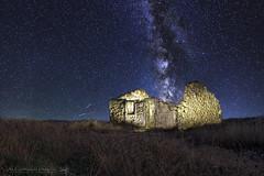 A star lit night sky (A. Patio) Tags: milkyway vialactea corrubedo galicia spain stars night nightsky ruins coast costa canon canon24mmf28stm 24mm 60d landscape paisaje astrophotography