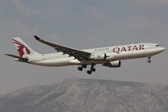 A7-AEN | Airbus A330-302 | Qatar Airways (cv880m) Tags: athens ath lgav greece venizelos eleftherios a7aen airbus a330 333 330300 330302 qatar qatarairways