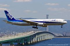 All Nippon Airways [NH][ANA] / JA8342 / 767-381 / RJBB (starger64) Tags: canoneos1dmrakiv ef7020028isiil eftc14xiii rjbb kix kansaiinternationalairport 關西國際機場 allnipponairways 全日空 ja8342 boeing767381 boeing 767 763 aircraft airplane aviation arlines