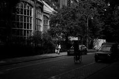 tardy summer afternoon in Amsterdam (Amselchen) Tags: bw mono amsterdam city lightandshadow light shadow shade people bike street bicycle fuji fujifilm fujinon fujifilmx xt10 xf35mmf14r
