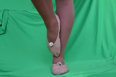 Sedmikrásky (026) (Merman cvičky) Tags: balletslippers ballettschläppchen ballet slipper ballerinas slippers schläppchen piškoty cvičky ballettschuhe ballettschuh punčocháče pantyhose strumpfhosen strumpfhose tights collants medias collant socks nylons socken nylon spandex elastan lycra