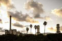 This is not the tropic (Nestor_PS) Tags: sant adrià cielo barcelona skyline besos factory tropical feeling