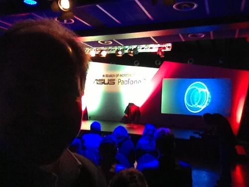 asus padfone 2ermenegildozegna smartphone tablet showroom evento milan milano moda technology