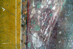 Villa of the Mysteries, Hallway marbling detail