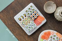Miniature Food - Sushi - Dollhouse (PetitPlat - Stephanie Kilgast) Tags: white france japan modern sushi asia handmade polymerclay fimo foodart dollhouse dollshouse cration makis crateur miniaturefood faitmain sashimis oneinchscale petitplat stephaniekilgast