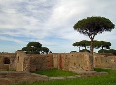 Italy - Ostia antica (ledval) Tags: rome roma archaeology ostia ostiaantica antichit ancientrome archeologia ancientworld anticaroma romaantica