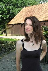 Marille, Drenthe 2007: Reflecting the light (mdiepraam) Tags: portrait woman beautiful lady pretty slim gorgeous mature attractive tall brunette milf browntop drenthe 2007 marielle fortysomething
