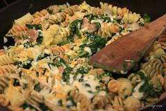 Pasta y espinacas (S-a-s-a) Tags: food comida pasta meal recipes receta espinacas