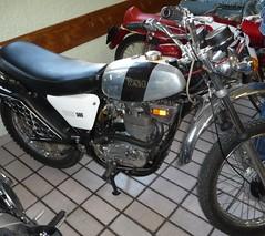 Expo motos de Trilport Octobre 2012 BSA (barbeenzinc) Tags: old expo bikes motorbike moto motorcycle british 2012 ancienne bsa motorrad classique britishmotorcycle b50t trilport bsasingle expodetrilport2012 trilport2012