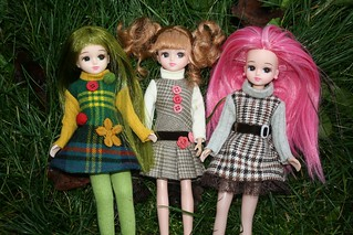 New dresses for the Licca dolls! And of course they fit Blythe too : ))