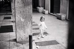 Image_ (Andrea La Rosa) Tags: street leica white film la andrea rosa 1600 summicron hp5 50 rodinal palermo ilford m4 125