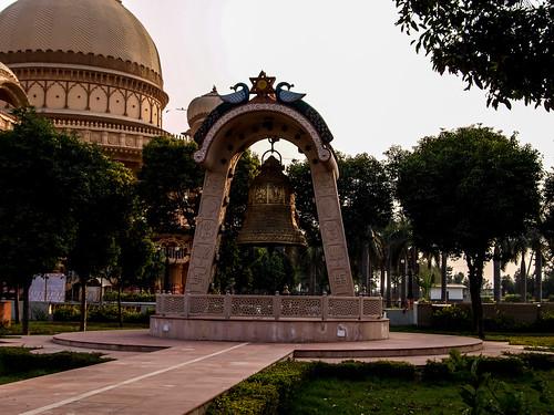 Indien2010_ChhatarpurTemple_(20101202)_104