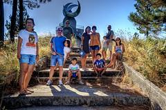 Xuntanza 2016 en Cambados 0161 (Pepe Fernndez) Tags: farodasluas montedasandras treslunas mirador escultura amigos grupo fotodegrupo