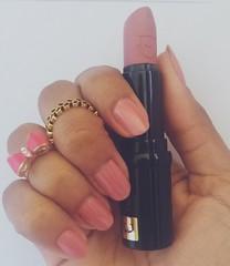 To amando essa combinação, super romântica ♡ (Queen the Vampire) Tags: colorama unhas unhasbr unhabonita nailpolish beautifulnails nails viciadaemesmalte clubedoesmalte esmalte