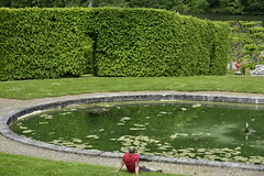 Dtente auprs de la pice d'eau ovale (Flikkersteph -4,000,000 views ,thank you!) Tags: springtime garden waterpool fountain tranquillity landscape nature footpaths reflecting wonderful hills slopes cloudy shadow trees foliage castle hastire wallonia belgium