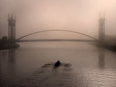 Rowers 2 (Chrisconphoto) Tags: bridge mist fog manchester northwest freezing salfordquays uni rowers goodlight intonothing