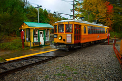 Seashore Trolley Museum - Ding Ding! (SunnyDazzled) Tags: autumn history fall tourism leaves museum fun colorful day antique trolley no cincinnati maine tracks foliage rainy kennebunkport curved seashore 1924 sider 639 wheelingtractioncompany curvedside