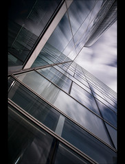L'Age de glace (Alphatest74) Tags: pose sony bleu reflet ciel nuage dfense vitre filtre longue alphatest