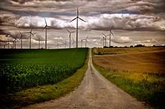 Blick auf den Energiepark Druiberg (Zero2Cool_DE) Tags: storm nature clouds energy wind sony natur wolken gewitter thunderstorms sturm nex sachsenanhalt energiepark 5n dardesheim badersleben nex5n druiberg