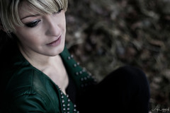 Erinnerungen... (unplugged - photography) Tags: woman color girl beautiful blond frau erinnerung lederjacke