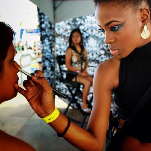 @jaleesajaikaran doing a little touch up on @wendymediumxl at @PREStigeFete #trinidad #carnival