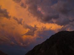 el cielo encendido (Rafael Edwards) Tags: sunset sky cloud colors clouds de atardecer day skies cloudy himmel colores silo ciel cielo nubes punta cielos ceu nube vacas ceus aconcagua puntadevacas parquesdeestudioyreflexion