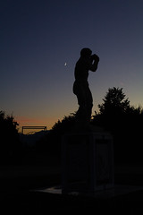 Silhouttes and Shapes (EiaOlaf) Tags: lightroom canon dawn sundown garden venaria italy italian moon statue roman silhouttes sunset