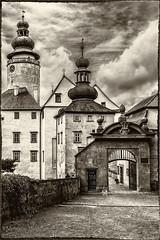 Schloss Lemberk (Bilderweise Hobbyfotografie) Tags: lemberk schloss castle zamek czech republic old times black white romantic mittelalter medieval lausitzergebirge luick hory
