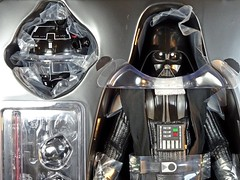 Snap Quick Unboxing  Hot Toys  MMS279  Star Wars  A New Hope  Darth Vader  Close Up (My Toy Museum) Tags: snap quick unboxing hot toys star wars darth vader action figure