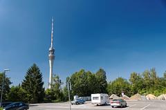 Buswendeplatz am Dresdner Fernsehturm (Veit Schagow) Tags: dresden fernshturm broadcasttower tvtower tower turm pappritz wachwitz sachsen saxony