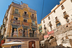 Tarragona (Spain): old street (clodio61) Tags: catalunya europe spain tarragona architecture balcony building city cityscape color day exterior facade historic horse house mural old outdoor painting palace photography ruin square sunny urban walls window