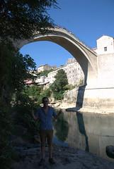 Vincent voor de Mostar bridge