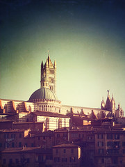 Siena (Visualtricks) Tags: blue sky urban italy house tower history buildings town view cathedral explore tuscany gradient siena medioeval 335