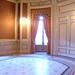 La sala Camoens es un espacio de 33 metros cuadrados cargado de historia y rico en patrimonio artístico, ubicado en la primera planta del Palacio de Linares. Su suelo conserva el mosaico original de la vivienda de los Marqueses de Linares,  y sus ventanales dan a la Plaza de Cibeles y tiene vistas panorámicas de la calle Alcalá. Se trata del lugar adecuado para celebrar mesas redondas, presentaciones, ruedas de prensa, conferencias y cursos.