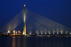 Pont Rama VIII sur la Chao Phraya - Bangkok - Thalande (Micky75017) Tags: voyage travel viaje bridge light water architecture night thailand noche photo asia eau nacht lumire bangkok capital picture ponte thai 7d pont noite asie bluehour capitale nuit notte noc thailande  eaux   magicblue  illumin ducloux  micky75017